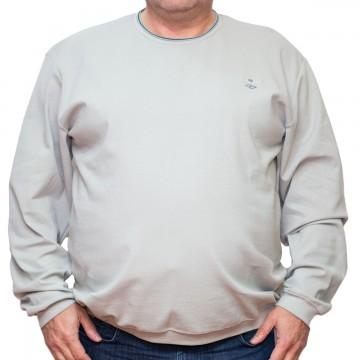 Bluza subtire gri deschis la baza gatului